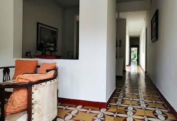 Casa en venta en Manrique Central de seis habitaciones