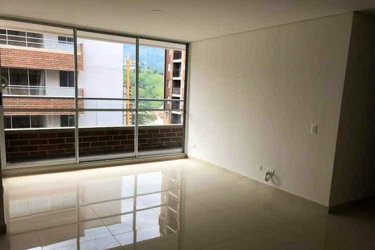 Portada Apartamento en venta en Calle Larga de 76 mt2.  con balcón.