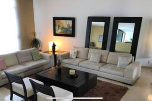Casa en venta en Interlomas de 720 mt2. de 3 niveles.