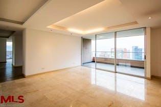 Apartamento en venta en Los Balsos, de 219mtrs2 con 2 balcones