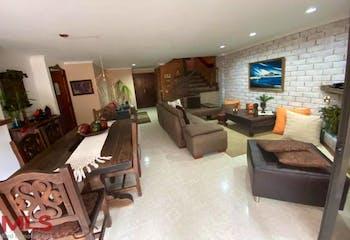 Casa en venta en Loma de Las Brujas, de 219mtrs2