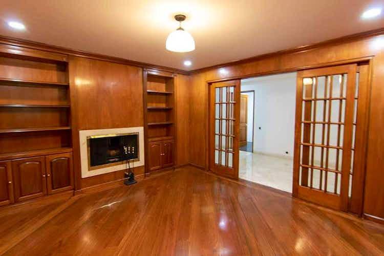 Portada Apartamento En venta En Chicó Reservado, de 246mtrs2 con balcón