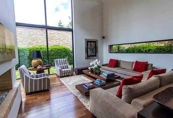 Casa en venta en Bogota Santa Barbara Alta-Usaquén 5 habitaciones