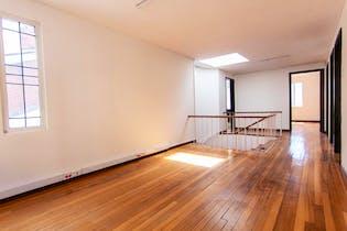 Casa en venta en Bogota Polo Club 4 habitaciones