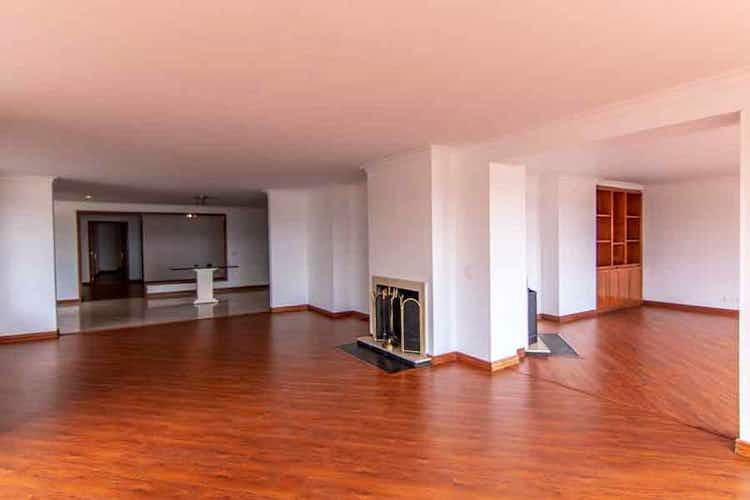 Portada Apartamento en venta en El Refugio, 355mt con terraza