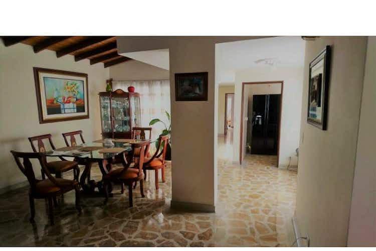 Portada Casa en venta en Simon Bolivar, 246mt con balcon