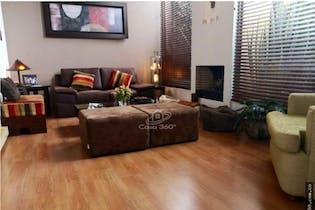 Casa en venta en La Conejera de 188mts, tres niveles