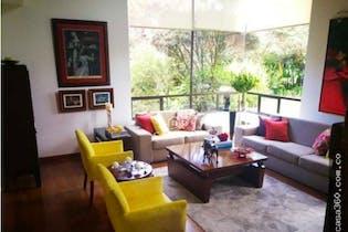 Casa en venta en Barrio San José de Bavaria de 360mts, tres niveles
