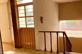 Casa en venta en Rancho Castro de 196mts, dos niveles