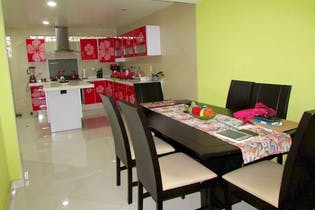 Casa en venta en Sosa Texcoco de 147mts, tres niveles