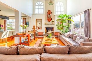 Casa en venta en Olivar de los Padres de 306mts, tres niveles