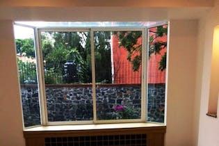 Casa en venta en Los Reyes de 278mts, tres niveles
