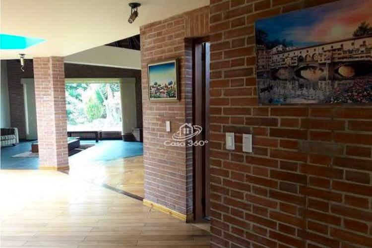 Portada Casa en venta en Chia de 2345mts, dos niveles