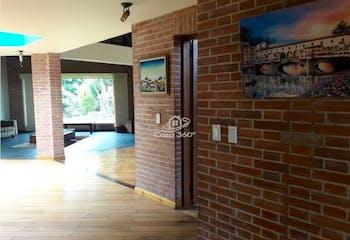 Casa en venta en Casco Urbano Chía de 5 habitaciones