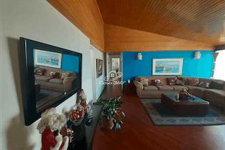 Apartamento en venta en Bosque de Pinos de tres habitaciones