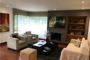 Apartamento en venta en San Patricio con Jardín...