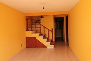 Casa en venta en Prados De Cuautitlan de 82mts, dos niveles