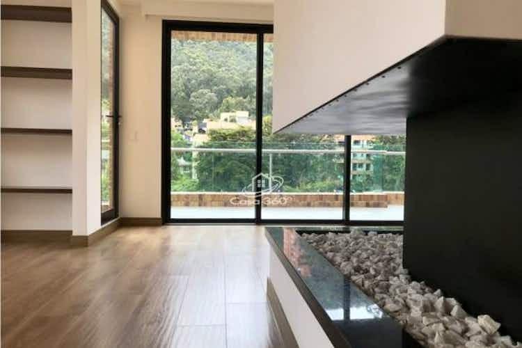 Portada Apartamento en venta en El Refugio de 337.18 mt2. con chimenea.
