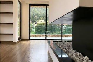 Apartamento en venta en El Refugio de 337.18 mt2. con chimenea.