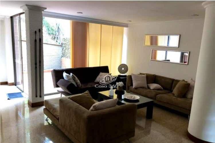 Portada Casa en venta en Loma del Escobero de 170 mt2. con 2 niveles.