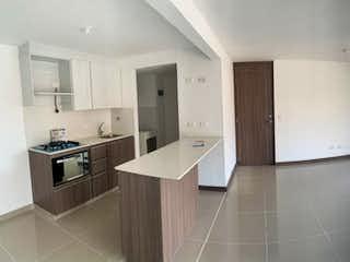 Una cocina con un horno encimera y un refrigerador en Apartamento en venta en Camino Verde, de 79,6mtrs2