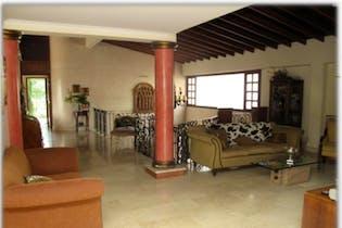 Casa en venta en Loma de Benedictinos, 1850mt de dos niveles