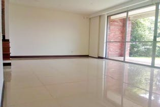 Casa en venta en Loma de Benedictinos de 220mts, dos niveles