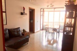 Apartamento en venta en Las Acacias de 4 hab. con Balcón...