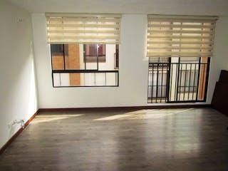 Una habitación que tiene una ventana en ella en Apartamento en Suba Salitre, Suba - Tres alcobas