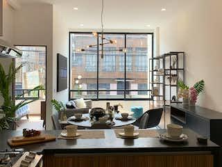 Una cocina con un lavabo y un gran ventanal en Primero de Mayo 112