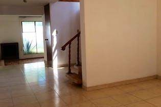 Casa en venta en Chimalcoyotl de 246mts, dos niveles