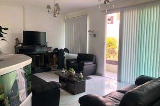 Casa en venta en Res Chiluca de 520mts, cuatro niveles