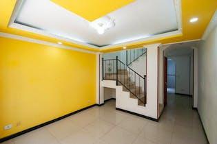 Casa en venta en Villas de Granada, 113mt de tres niveles.