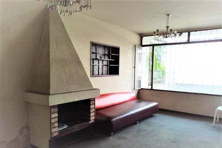 Portada Casa en venta en  Bogota La Esmeralda-Teusaquillo 6 habitaciones