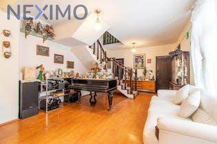 Casa en venta en Las Arboledas 495m²