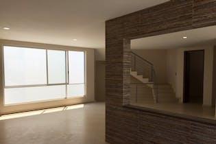 Casa en venta en Lomas De Bellavista de 354mts, dos niveles