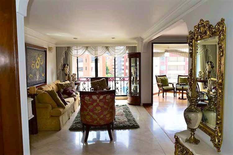 Portada Apartamento En Venta En Santa Bárbara Central de 139.55 mt2. con balcón.
