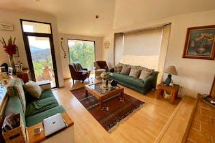 Casa en venta en Res Chiluca, 318mt cuatro niveles.