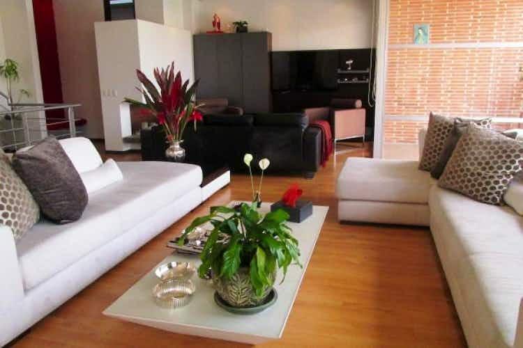Portada Apartamento en venta en Reservado, 331mt de tres niveles.