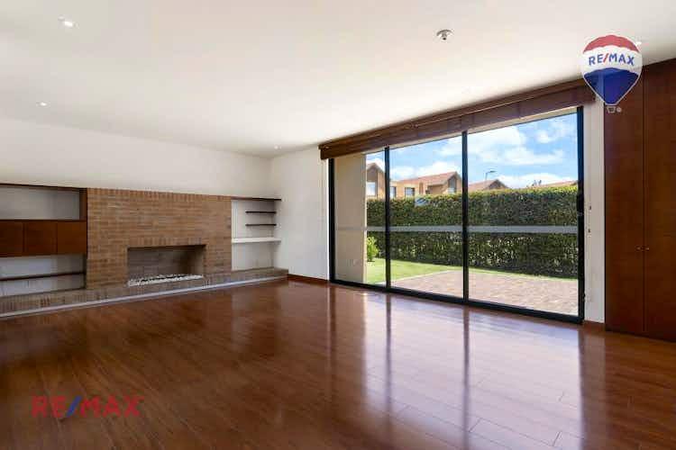 Portada Casa en venta en Chia de 167mts, dos niveles