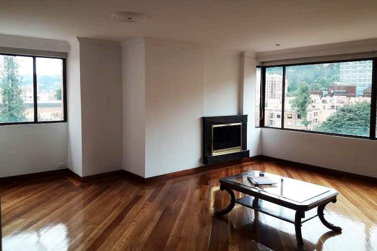 Portada Apartamento en venta en Barrio La Carolina, de 119mtrs2