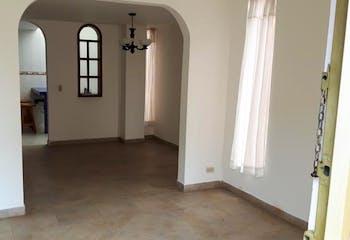 Casa en venta en Casco Urbano Chía de 76 mt2. con 3 niveles.