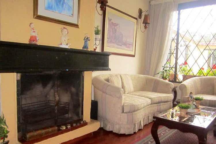 Portada Casa en venta en  Bogota La Campiña 5 habitaciones