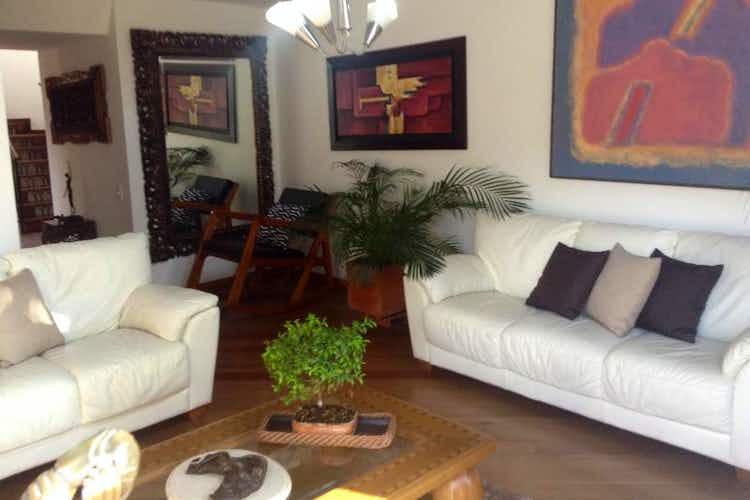 Portada Casa en venta en  Bogota Gratamira 3 habitaciones