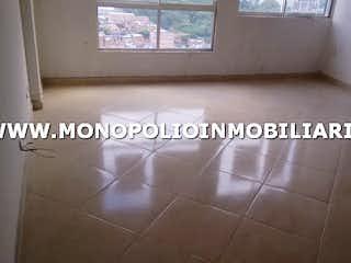Una foto en blanco y negro de un baño en TORRE BRASILIA 1002