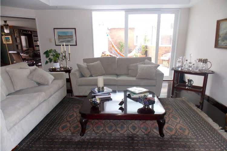 Portada Apartamento en venta en Rosales de 470 mt2. con terraza.