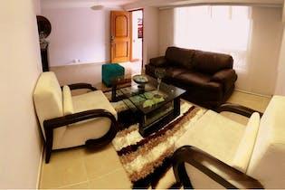 Casa en Venta en Loma de Las Brujas de 204 mt2. con 3 niveles.