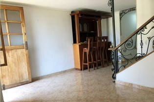 Casa en venta en Calasanz, 132mt de tres niveles.