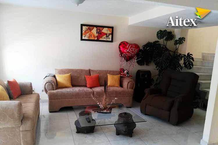Portada Casa en venta en  San Buenaventura, 4 recámaras