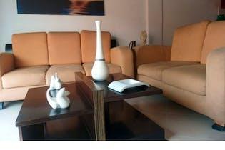 Apartamento en venta en San José de 4 hab. con Balcón...